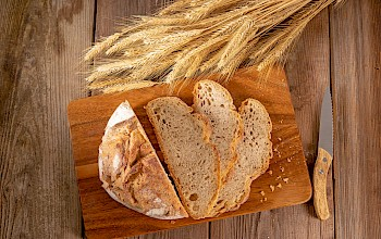 Slice of bread - calories, nutrition, weight