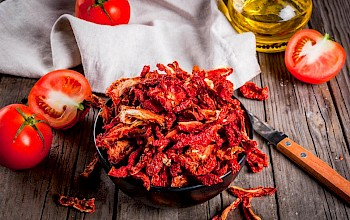 Dried tomatoes - calories, nutrition, weight